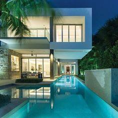 Modernist Miami home o. Biscayne Bay - Architectural Digest #Miami #floridalifestyle #palmBeachesLiving #realestate #modern #architecture #Florida #biscaynebay #design #poolafterdark #abmlifeisbeautiful by eileen_v_robinson