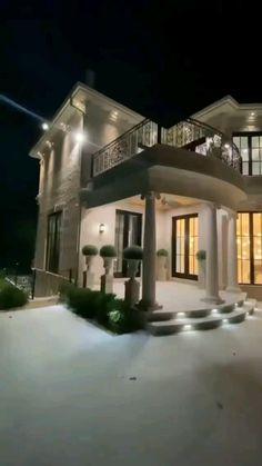 Modern Kitchen Design, Modern House Design, Dream Home Design, Home Interior Design, House Outside Design, Beautiful House Plans, Home Building Design, Building Homes, Mansion Interior