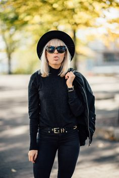 outfit, style, all black, allblack, hat, autumn, fall, blogger, inspiration, photography, street style, sunnies, gina tricot, golden, black, leaves, street, goofy, tickle your fancy, sara, daniel wellington, watch, long bob, blonde, hair, blonde hair