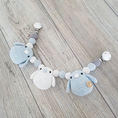 Crochet Baby Toys, Crochet Birds, Diy Crochet, Baby Knitting, Crochet Designs, Crochet Patterns, Baby Hangers, Crochet Embellishments, Crochet Mobile