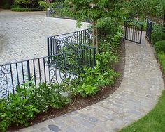 3 Natural Stone Options For Side Yard Paths