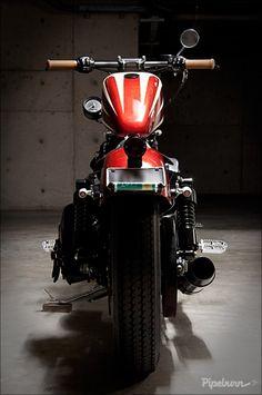 2010 Harley Iron 883 SportsterCustom - Pipeburn - Purveyors of Classic Motorcycles, Cafe Racers & Custom motorbikes