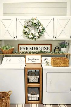 "Smart Farmhouse Laundry Room Storage Organization Ideas 1 – umakup Show me your farmhouse laundry room and I will tell you who you are"" We just made up this quote and hopefully it is not true! Because admit it, farmhouse … Laundry Room Remodel, Laundry Room Organization, Laundry Room Design, Storage Organization, Smart Storage, Laundry Closet Makeover, Laundry Decor, Basement Laundry, Laundry Storage"