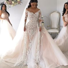Women's lace wedding dresses with sleeves is considered to be one of the most relevant models this season.Lace wedding dress is stylish at all times. Lace Wedding Dress With Sleeves, V Neck Wedding Dress, Lace Mermaid Wedding Dress, Long Sleeve Wedding, Mermaid Dresses, Wedding Dress Detachable Train, Tulle Wedding, Wedding Bridesmaids, Blush Pink Wedding Dress