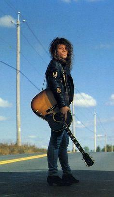Check out Bon Jovi @ Iomoio Jon Bon Jovi, Bon Jovi 80s, Aubrey Plaza, Diane Lane, Guns N Roses, Bon Jovi Pictures, Bon Jovi Always, Glam Metal, Rockn Roll