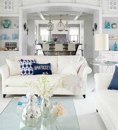 70 Cool and Clean Coastal Living Room Decorating Ideas (50)