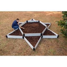 Fresh and modern, the Frame It All White Composite Garden Star Raised Garden Bed is designed in a large star shape for eye-catching visual appeal. Sloped Garden, Raised Garden Beds, Raised Beds, Front Garden Landscape, Good Environment, Different Plants, Decks And Porches, Garden Projects, Garden Ideas