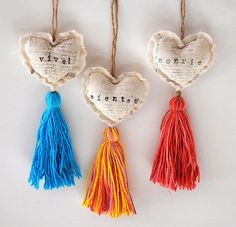 We all know that handmade gifts mean so much to the recipient! Spice Girls, Diy And Crafts, Crafts For Kids, Arts And Crafts, Heart Crafts, Crochet, Tassels, Sewing Projects, Weaving