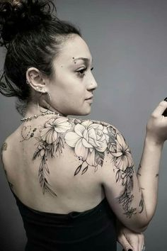 Today, millions of people have tattoos. From different cultures to pop culture enthusiasts, many people have one or several tattoos on their bodies. While a lot of other people have shunned tattoos… Diy Tattoo, Form Tattoo, Shape Tattoo, Tattoo Fonts, Tattoo Ideas, Rose Tattoos, Sexy Tattoos, Body Art Tattoos, Tatoos