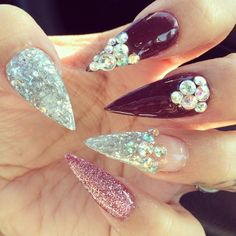 Let me interject: claws, actual nails, weapons. Those points look like razors. I can only imagine what a guy must be thinking? Fabulous Nails, Gorgeous Nails, Love Nails, How To Do Nails, Diamond Nail Art, Funky Nail Art, Sharp Nails, Pointy Nails, Nail Games