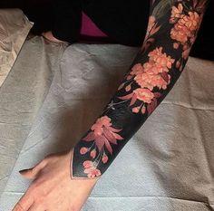 awesome blackout tattoo ideas for women © tattoo artists Black Oak Tattoo & Esther Garcia 💗🌺💗🌺💗🌺💗🌺💗 Solid Black Tattoo, Black Tattoos, Body Art Tattoos, Hand Tattoos, Key Tattoos, Skull Tattoos, Tattos, Full Sleeve Tattoos, Sleeve Tattoos For Women