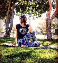 Craving twists lately .. Always in my @peaceom_encinitas leggings   #yoga #yogaeverywhere #yogaeverydamnday #supyoga #sandiego #socal #girl #igyoga #instadaily #inversionjunkie #missionbay #outdooryoga #twist #lifeisgood #yogagirl #vegetarian #healthylifestyle #goodvibes #yogini #orangecounty #outdoors #yogateacher #yogainstructor #fitness #sandiegoyoga by namastenazli