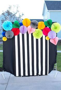Armelle Blog: striped party DIY photobooth backdrop #stripes #stripeparties #blackandwhitestripes