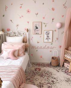 Pink Beige, Purple, Nursery Rugs, Modern Rugs, Girls Bedroom, Modern Interior, Wall Stickers, Design Trends, Toddler Bed