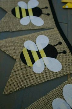 Honey Bumble Bee First Birthday Party Decorations Pennant Bunting Burlap Banner for Food Table, Photo Background, Nursery Black & Yellow - Bienen Hummel und mehr - First Birthday Party Decorations, First Birthday Parties, First Birthdays, Diy Birthday, Birthday Bunting, Birthday Table, Yellow Birthday, Birthday Backdrop, Birthday Images