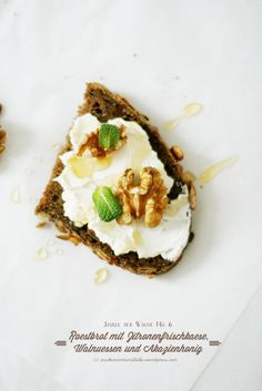 toasted bread lemOn cream cheese walnuts honey and mint