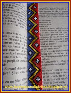 lucru manual adelina: Semn de carte Tricolor etamina Book Crafts, Diy And Crafts, Arts And Crafts, Romania, Pixel Art, Bookmarks, Projects To Try, Cross Stitch, Beaded Bracelets