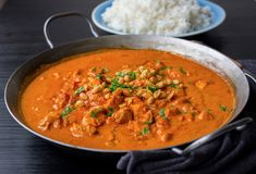 Lättlagad kycklinggryta - ZEINAS KITCHEN Indian Food Recipes, Vegetarian Recipes, Healthy Recipes, Ethnic Recipes, Food In French, Clean Recipes, Cooking Recipes, Zeina, Dessert For Dinner