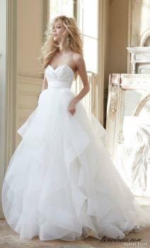 Im in love with this dress. garden wedding dress garden wedding dressesDress is beautiful Mom!!