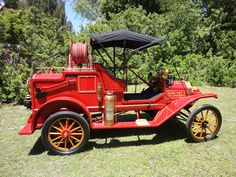 1914 Ford Model T Firetruck..beautiful, read the printing on the hood....