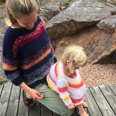 """122 likerklikk, 2 kommentarer – Linelangmostrikk (@linelangmostrikk) på Instagram: """"Påfuglgarn i de fineste farger og kombinasjoner #linelangmogenser #linelangmostrikkebok…"""" Pullover, Embroidery, Knitting, Sweaters, Instagram, Fashion, Scrappy Quilts, Threading, Summer"""