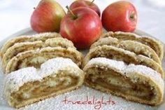 Reteta culinara Placinta rulata cu mere din Carte de bucate, Dulciuri. Specific Romania. Cum sa faci Placinta rulata cu mere