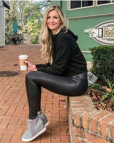 Fashion Wear, Girl Fashion, Fashion Outfits, Jeggings Outfit, Vinyl Leggings, Dress With Sneakers, Dresses With Leggings, Leggings Fashion, Blond