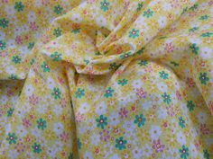 200 Yellow/green pretty floral flowers poly cotton fabric dressmaking fabrics quilting patchwork dress cotton - by the Metre