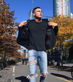 Denver, Nyc, Sporty, Mens Fashion, Instagram Posts, Pretty, How To Wear, Outfits, Style