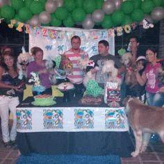 los invitados fiesta dog