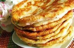 Тесто универсальное. Готовится оно относительно просто и быстро. Из него можно приготовить не только сырные лепешки, но и жареные пирожки. Тесто для сырных лепешек Ингредиенты: кефир — 1...