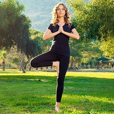 Hit snooze, make coffee, or. These seven poses will boost your body and mood better than caffeine. Yoga Fitness, Fitness Tips, Health Fitness, Fitness Workouts, Bikram Yoga, Life Choices, Fitness Magazine, Yoga Routine, Yoga Benefits