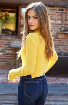 Bridget Satterlee (b Dec. 3 -- Mock Neck Pullover Sweater Bridget Satterlee (b Dec. Bridget Satterlee, Fashion Photography Poses, Photography Women, Grunge Photography, Urban Photography, White Photography, Newborn Photography, Mode Outfits, Casual Outfits