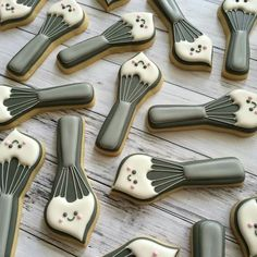 Banana Bakery:  Whisk with frosting cookies.  Cute!!!!   (Cutter available from Creative Cookier)