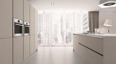 Čisté a jednoduché linie, úplná absence úchytek - to je kuchyně Elite. Sutton Place, Kitchen Collection, Kitchen Design, Modern Design, Kitchen Cabinets, Interior, Furniture, Modern Kitchens, Home Decor