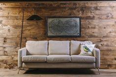 Fun& Co: Muebles que son la extensión de la personalidad de su dueño. Diseño interior. Sala principal. Sofá de tres puestos. Cojines. Lámpara. Cuadro. Encuentra dónde comprar este diseño y Producto en Colombia.