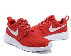 Roshe Run Yeezy Femme Pour Nike Rouge Nike Free Runners, Pink Running Shoes, Nike Running, Runs Nike, Roshe Run Black, Yeezy Womens, Nike Air Max Sale, Jordans Girls, Air Jordans