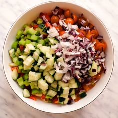 This vegan avocado pasta salad is a quick 15 minute recipe that can be prepped ahead and great to take along to a picnic barbecue potluck or as an easy weeknight dinner this no mayo pasta salad is deliciously creamy and packed full of fresh veggies Vegan Dinner Recipes, Healthy Salad Recipes, Vegetarian Recipes, Veggie Medley Recipes, Vegan Recipes Summer, Vegetarian Protein Meals, Raw Diet Recipes, Raw Veggie Recipes, Quick Vegan Recipes