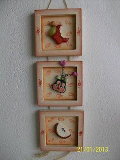 Trio de quadrinhos com maçã, trabalhado em biscuit country. As medida abaixo correspondem a cada quadrinho. R$ 17,50