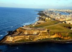 The Best Helicopter Tours Of Puerto Rico http://www.puertoricoblogger.com/the-best-helicopter-tours-in-puerto-rico/