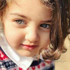 The World Cutest Baby - Anahita Hashemzadeh - My Baby Smiles Cute Baby Girl Photos, Cute Little Baby Girl, Beautiful Little Girls, Cute Baby Pictures, Cute Girls, World Most Beautiful Girl, Beautiful Eyes, World's Cutest Baby, World's Cutest Girl