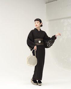 Traditional Kimono, Traditional Fashion, Traditional Dresses, Kimono Japan, Japanese Kimono, Japanese Fashion, Kimono Outfit, Kimono Fashion, Kimono Design
