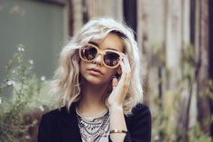 These Quay x Amanda Steele sunglasses are EXACTLY what your fall wardrobe is missing.