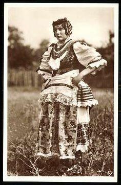 Mohácsi népviselet. Sokác leány | Képeslapok | Hungaricana Folk Dance, Folk Costume, Ana White, World Cultures, Hungary, 1940s, Folk Art, The Past, Hipster