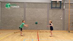 Elementary Physical Education, Physical Activities For Kids, Indoor Games For Kids, Health And Physical Education, Youth Games, Gym Games, Teaching Kids, Kids Learning, Pe Ideas