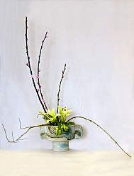 Ikebana Sogetsu style | These designs are in the Sogetsu style of Ikebana. Click on the ...