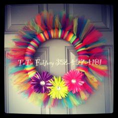 Craft wreath handmade tulle TuTu Faktory 352-497-4101 Tulle Crafts, Wreath Crafts, Diy Wreath, Wreath Ideas, Easter Wreaths, Holiday Wreaths, Holiday Crafts, Mesh Ribbon Wreaths, Deco Wreaths