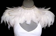 White feather epaulettes crystal feather collar Modern bridal feather shoulder pieces Wedding Bohemian bride Ice Queen White Party This is a unique design, custom made from high quality feathers and p Performance Kunst, Bohemian Bride, Bohemian Weddings, Indian Weddings, Boho Wedding, Bird Costume, Moda Chic, Feather Dress, Feather Jewelry