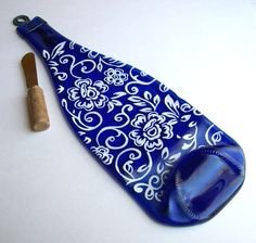 flattened eco friendly blue wine bottle cheese tray painted design in white....FAB; I want one!
