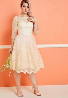 Short lace wedding d